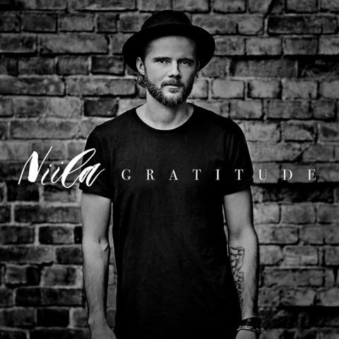 Gratitude von Niila - CD jetzt im Bravado Shop