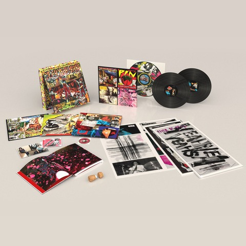 √Fever To Tell (Ltd. / Signed & Numbered Deluxe Box) von Yeah Yeah Yeahs - LP jetzt im Bravado Shop
