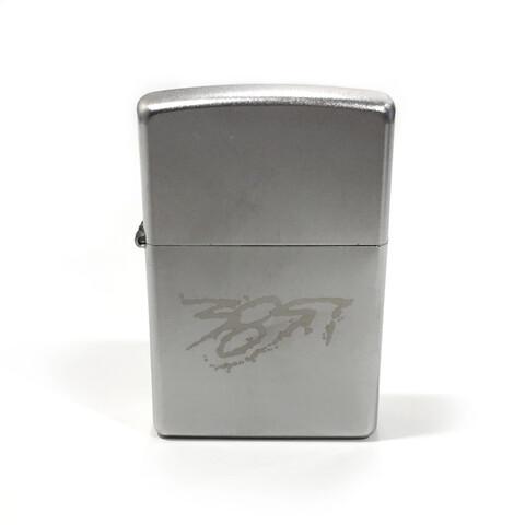√385i Zippo Benzin Feuerzeug von 385idéal - Zippo jetzt im Bravado Shop